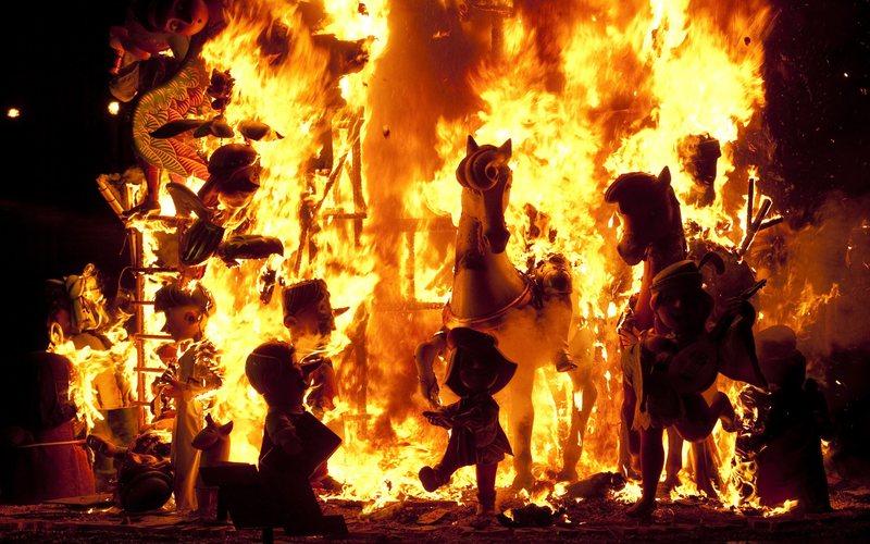 Crema d'une falla à Valencia