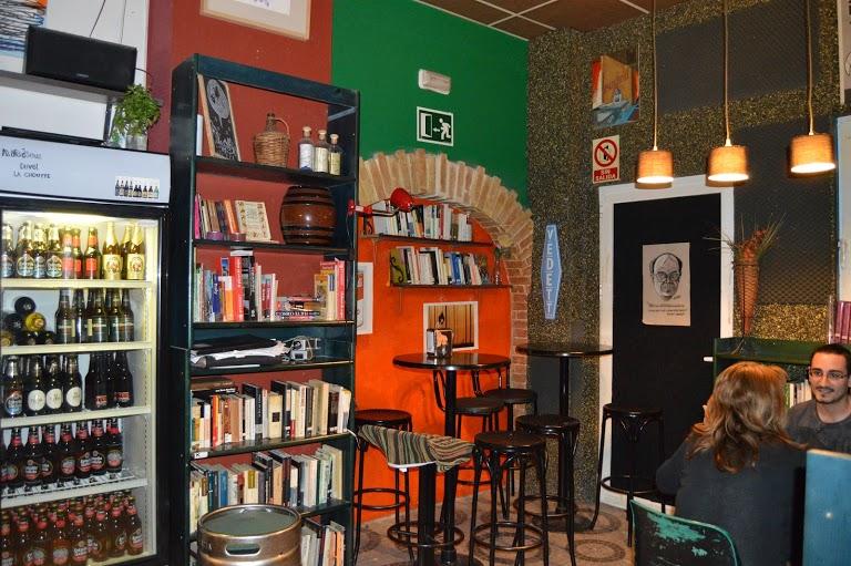 Le café librairie Kaf Café
