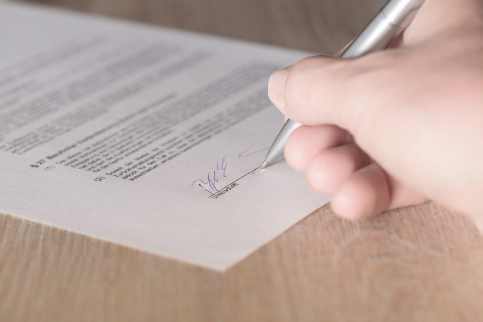 Signature contrat Espagne